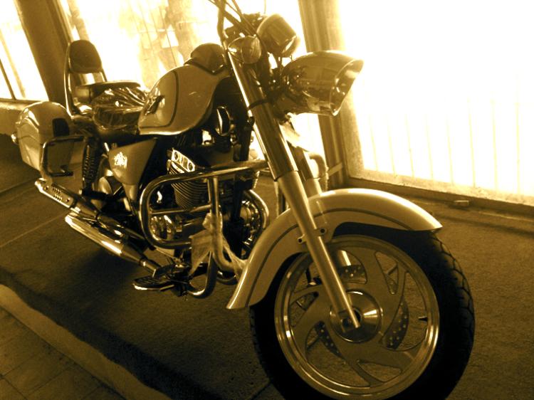 Jinlun's Harley Look Alike